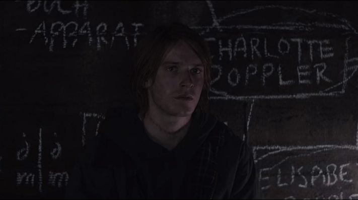 Louis Hofmann en Dark