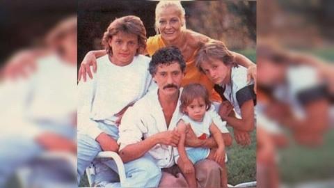 Luis Miguel con su familia madre Marcela Basteri y padre Luisito Rey