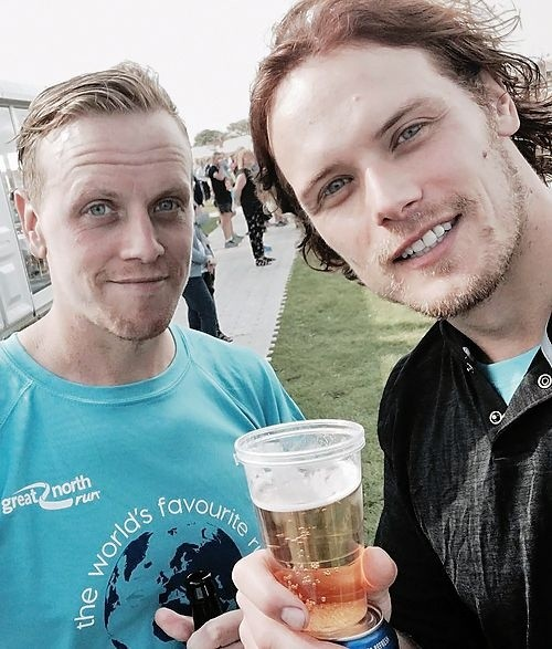 Sam Heughan and his brother.  Photo: (@samheughan)
